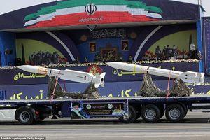Iran 'thị uy' bằng dàn khí tài 'khủng' giữa lúc Trung Đông căng thẳng