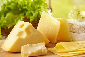 Muốn hàm răng trắng khỏe, dùng ngay 8 thực phẩm này