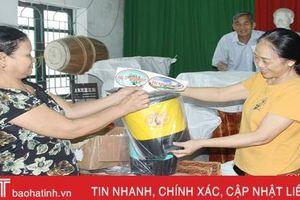 Thành phố Hà Tĩnh phát hơn 16.000 giỏ phân loại rác thải cho người dân