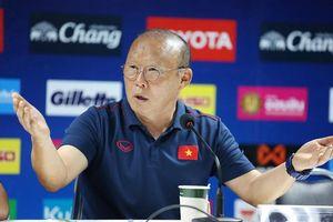 HLV Park Hang-seo: 'Về Hàn Quốc người ta hỏi tôi sao làm việc ở Việt Nam mà khóc nhiều thế'