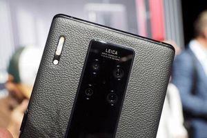 Cận cảnh smartphone đắt hơn gấp đôi iPhone 11 Pro Max