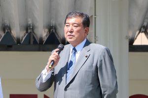 Nhật Bản: Trò chơi vương quyền thời kỳ hậu Abe bắt đầu