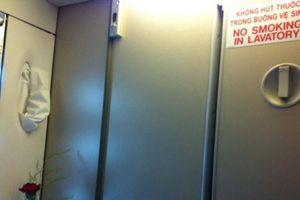 Một hành khách hút thuốc lá trên máy bay bị phạt 4 triệu đồng