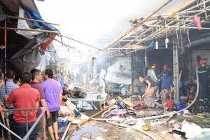 Cháy lớn tại chợ Tó, nhiều tài sản của tiểu thương bị thiêu rụi