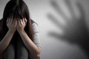 Lâm Đồng: Khởi tố đối tượng dụ dỗ bé gái quan hệ tình dục