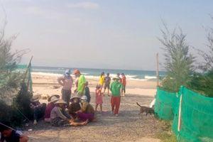 Nhóm sinh viên mới ra trường gặp nạn khi đi tắm biển ở Khánh Hòa, 1 người tử vong, 1 người bị sóng cuốn mất tích