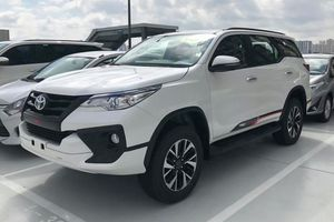 Toyota Fortuner phiên bản TRD tại Việt Nam khác gì với bản thường ?