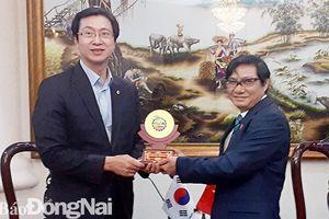 Đoàn Nghị viện tỉnh Gyeongnam tìm hiểu chính sách tại Đồng Nai