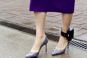 Vòng kim cô trên chân công chúa Huawei là thứ gây tranh cãi