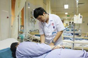 Cứu kịp thời người bệnh bị sốc phản vệ độ ba do ngộ độc thực phẩm
