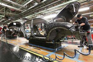 Ngành công nghiệp ô tô châu Âu sợ Brexit 'cứng'