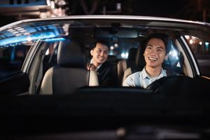Gắn hộp đèn cho xe công nghệ liệu có thay đổi thị trường?