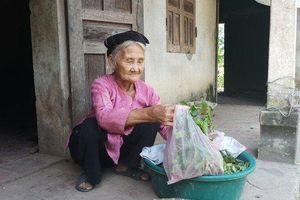 Clip: Cụ bà 83 tuổi đạp xe lên UBND xã để xin 'thoát nghèo'