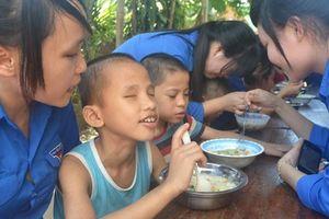 Catholic Relief Service hỗ trợ hơn 3 tỷ đồng giúp trẻ khuyết tật tiếp cận các dịch vụ y tế và giáo dục