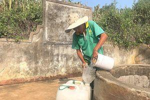 Lý Sơn: Chuyện về người gánh nước thuê cuối cùng ở giếng Vua 700 năm tuổi