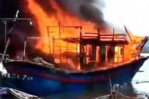 Nổ tàu cá ở Thanh Hóa, 2 người tử vong, 1 người mất tích