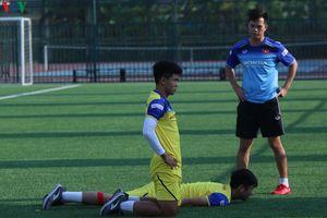 HLV Park Hang Seo đội nắng ép U22 Việt Nam 'luyện công'
