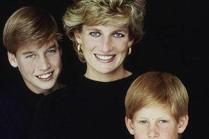 Cái chết của Công nương Diana và nỗi sợ hãi để lại cho Harry và William sau 22 năm