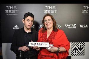 Vì sao cậu bé mù Nickollas được FIFA chọn 'Best fan'?