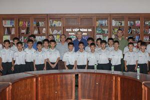 Bộ trưởng Bộ Công an Tô Lâm thăm Học viện bóng đá HA Gia Lai