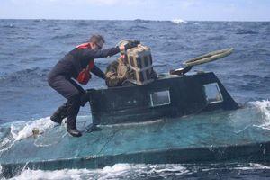 Tuần duyên Mỹ rượt đuổi tàu ngầm chở 5 tấn cocaine như phim hành động