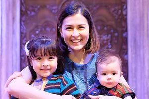 'Mỹ nhân đẹp nhất Philippines' đăng ảnh đi chơi cùng 2 con