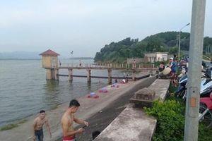Cần ngăn chặn những bãi tắm tự phát tại hồ Đại Lải