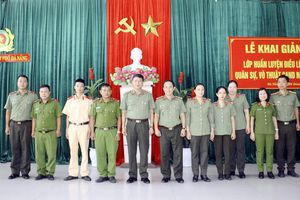 Khai giảng lớp tập huấn điều lệnh, quân sự, võ thuật