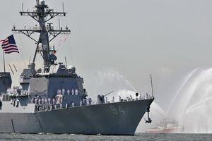 Sức mạnh siêu khu trục hạm Mỹ cùng tên lửa hủy diệt đe dọa Iran
