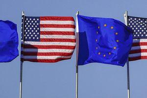 Khủng hoảng nợ châu Âu năm 2012 đã tác động nghiêm trọng đến ngân hàng châu Âu như thế nào?