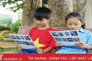 Tặng thẻ bảo hiểm y tế, chia sẻ yêu thương với học sinh nghèo Hà Tĩnh