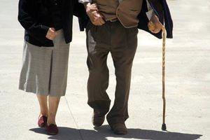 Mẹ tôi muốn 'đi bước nữa' dù đã 70 tuổi