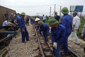 Đường sắt Bắc - Nam thông tuyến sau tai nạn tàu hỏa ở Nghệ An
