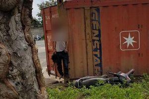 Kon Tum: Nam công nhân lái xe chết trong tư thế treo cổ