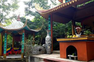 Tư hữu hóa nhằm trục lợi từ đền Đá Thiên?