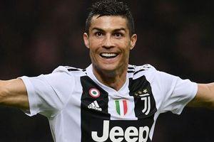 HLV Sarri lý giải cách dùng Ronaldo ở Juventus