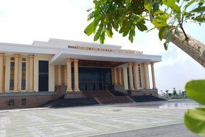 Quảng Bình: Nhà hát hơn 216 tỷ đồng nứt tứ phía