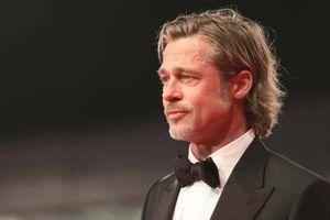 Brad Pitt hẹn hò tình mới