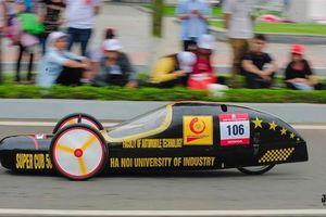Sinh viên chế xe siêu tiết kiệm nhiên liệu