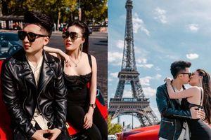 Nữ giảng viên bốc lửa Âu Hà My cùng chồng tung bộ ảnh cưới bên siêu xe Ferrari dưới chân tháp Eiffel