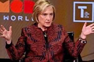 Bà Clinton bất ngờ lên tiếng: Donald Trump đã phản bội Hoa Kỳ