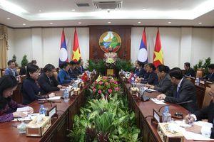 Chủ tịch Quốc hội Nguyễn Thị Kim Ngân hội đàm với người đồng cấp Lào