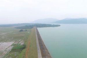 Chuyện lạ tại Thanh Hóa: Thay mới đường ống nước chưa hỏng!?