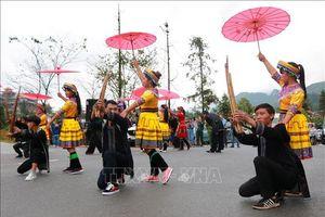 Thành lập thị xã Sa Pa và thị xã Kinh Môn
