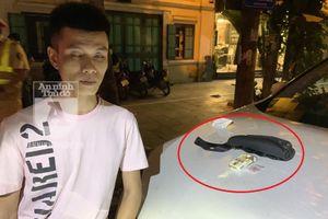 Người đàn ông đi ô tô Lexus giấu loại bột lạ, 'đụng' Cảnh sát 141