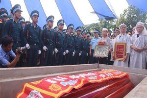 Anh hùng phi công Nguyễn Văn Bảy ngủ yên trong lòng đất mẹ