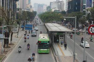 Hà Nội tính tổ chức làn đường ưu tiên cho xe buýt: Ý kiến trái chiều về tính khả thi