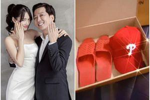 Nhã Phương 'khoe' quà độc chồng tặng nhân kỷ niệm 1 năm ngày cưới