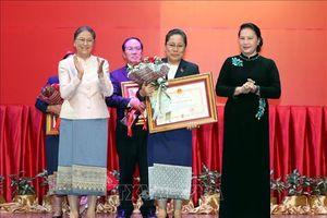 Trao tặng Huân, Huy chương của Nhà nước Việt Nam cho tập thể, cá nhân của Quốc hội Lào