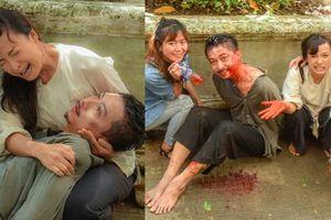 'Tiếng sét trong mưa': Lũ bị đánh chết, Hiểm - Lê Bê La khóc nghẹn nhưng hậu trường bị rò rỉ chứa tình tiết kỳ lạ